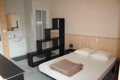 gite les sables d 39 olonne avec piscine gites de la l oni re. Black Bedroom Furniture Sets. Home Design Ideas